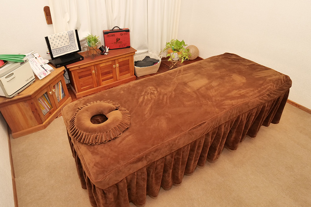 施術ベッド1