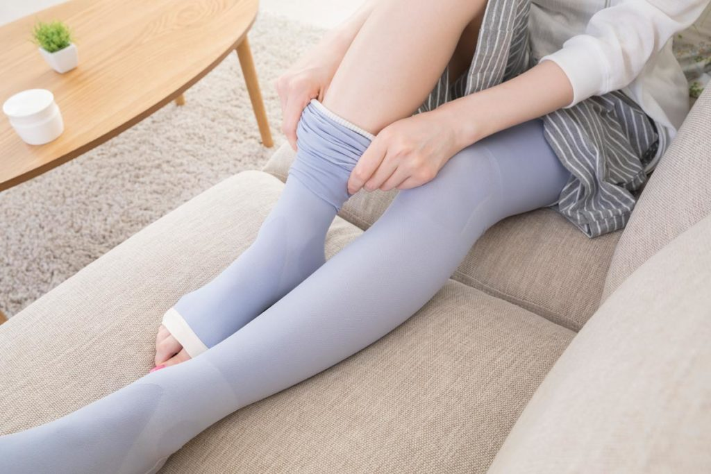 足のむくみを解消する生活習慣